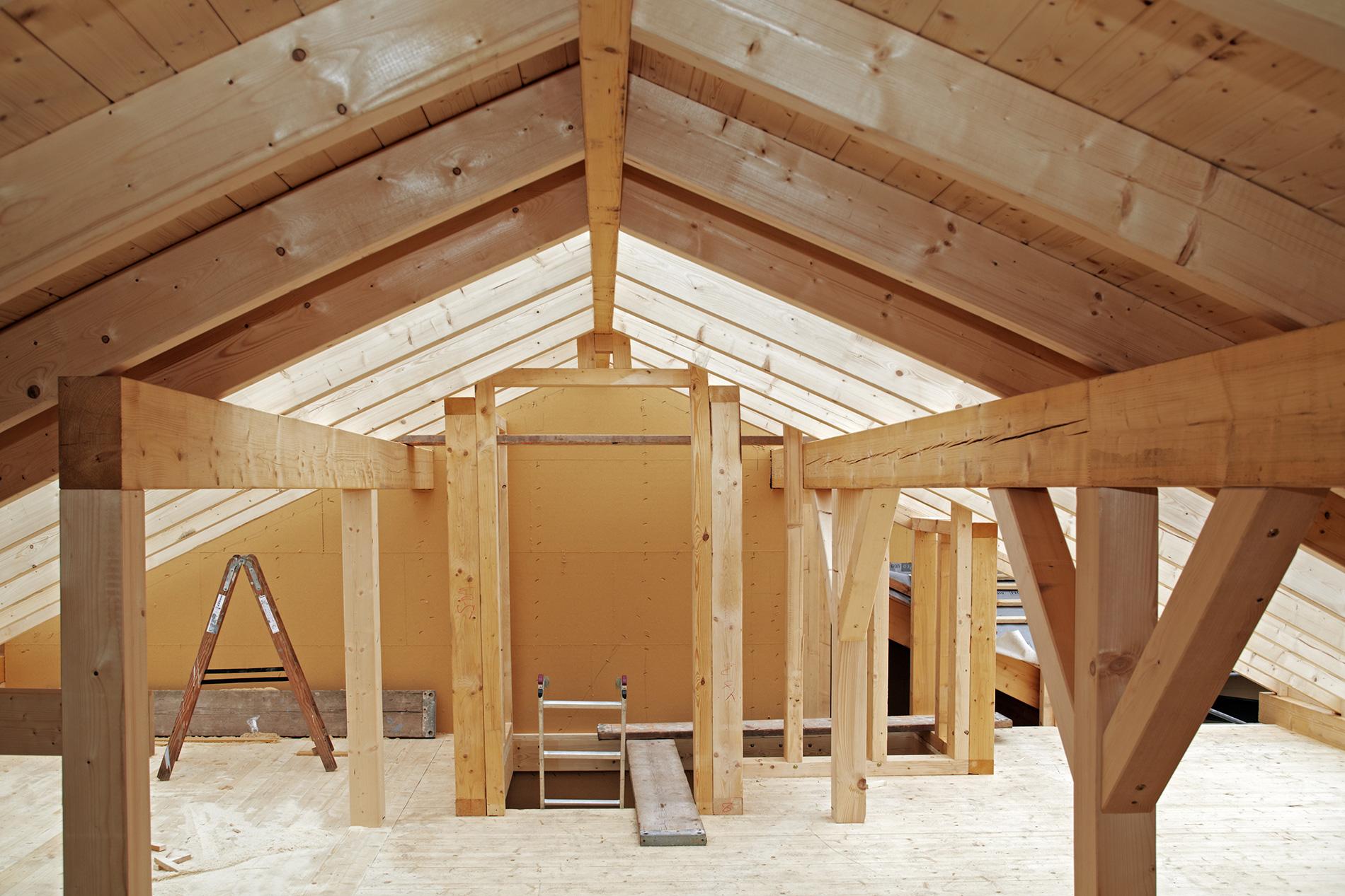 Construire une maison en bois, une solution avantageuse