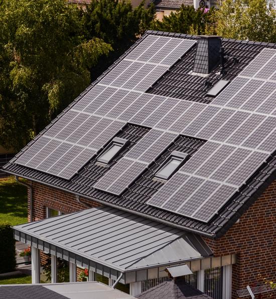 Comment préparer l'installation de panneaux solaires pour sa propre consommation?