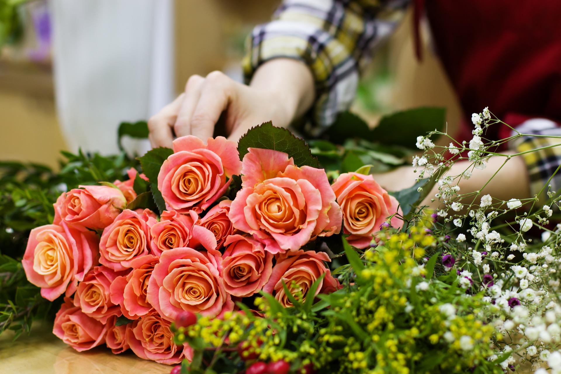 Réalisez une magnifique composition florale pour votre décoration