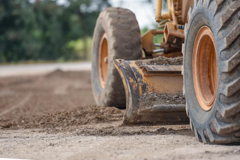 Pourquoi prévoir un terrassement de votre terrain ?