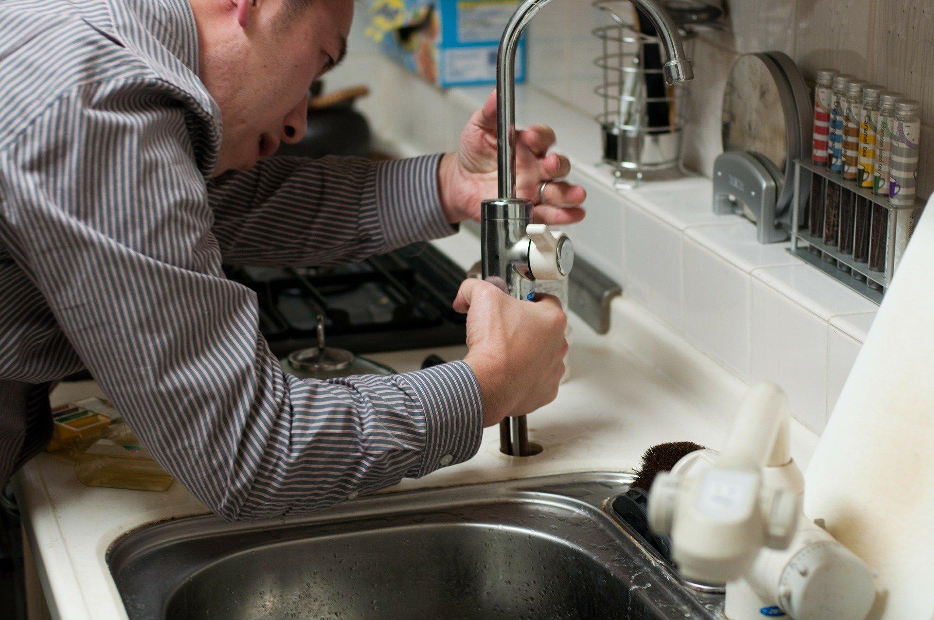 Comment gérer l'installation sanitaire ?