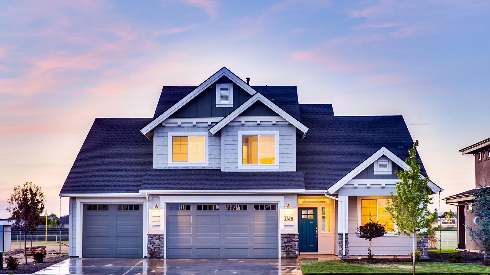 Pourquoi installer une porte de garage sectionnelle motorisée ?